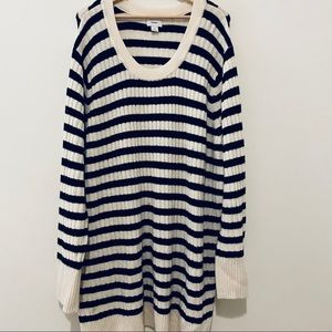 Old Navy plus size black and cream sweater